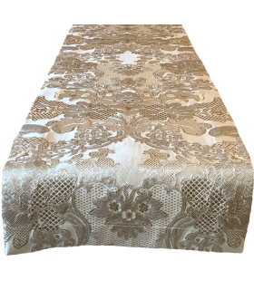 jacquard runner with beautiful pattern in gold colors