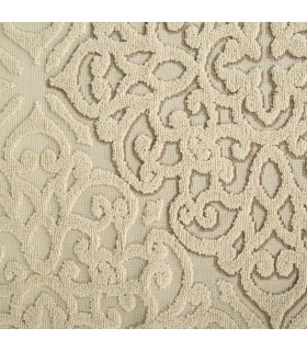 Towel with ornamental design in jacquard fabric